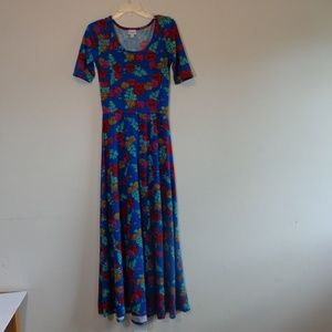 LuLaRoe colorful beautiful prin long dress.